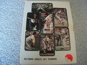 1971 BALTIMORE ORIOLES Official Yearbook BROOKS ROBINSON Jim PALMER Earl WEAVER