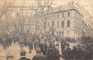 CPA 03 MOULINS LA MANIFESTATION SUR LES COURS DE LA PREFECTURE 5 FEVRIER 1906