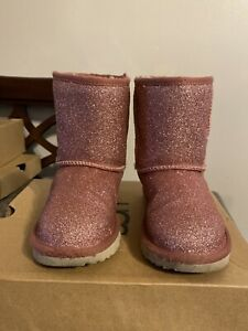 NEW Ugg Kids Classic Short ii Glitter Pink Champagne Fashion Boots Size 8 Deal