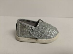 Toms Classics Slip On, Silver, Infant 3