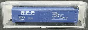 LIFE-LIKE:  50' BOXCAR RF&P #2802. POTOMAC. VINTAGE HO SCALE north & south.