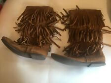MINNETONKA FRINGE BOOTS MOCCASIN 3 Layers Women 9 LIGHTLY WORN & CLEAN - 1632