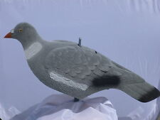 12 PIGEON DECOY SHELL FLOCKED WITH STICK PEGS