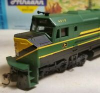 Athearn  John Deere f45 rtr  locomotive train engine HO  powered nos