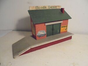 "Commercially manufactured ""O""scale Goods Depot (wood/ply) good - c1954"