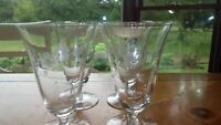 Vintage footed Ice Tea GLasses Water glasses floral design 4 11 oz stems EUC