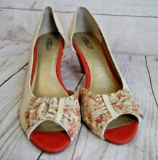 Seychelles 8.5 Cream Fabric and Floral Heels with Orange Accents