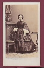 CDV DISDERI 150315 photo - femme debout robe Napoléon III bandeau de tresse