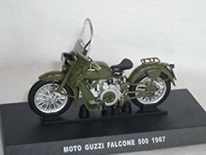 DeAgostini AM29 Moto Guzzi Falcone 500 1967 Motor Bike 1/24 Scale On Plynth T48P