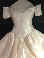 Lovely Ivory Wedding Dress Sz 6 Gorgeous Beading~ Long Train. Boxed & Preserved