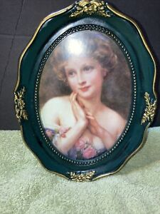 picture frame picture size 5/7 oval frame green trimed in gold
