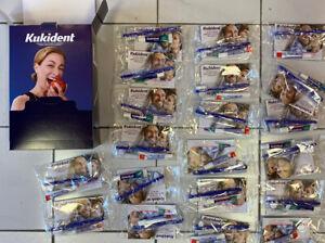 Kukident Plus Crema Adesiva Per Dentiere Doppia Protezione 20 espositore