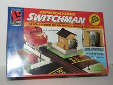 Life-Like HO scale8203 Operating Switchman with Lighted Building