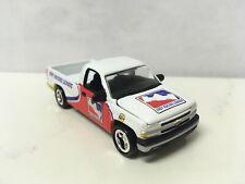 2000 00 Chevy Silverado Collectible 1/64 Scale Diecast Diorama Model