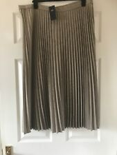 New Marks & Spencer Pleated  Print  Midi  Skirt  Size  20  Long    bnwt
