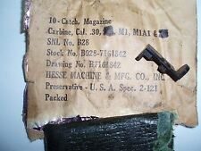 M1 CARBINE, magazine catch / release type D, UNISSUED, NOS , U.S.  GI