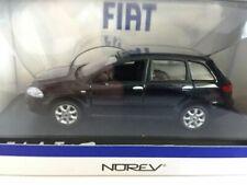 Voitures miniatures bleus Fiat