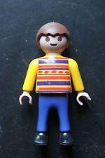 PLAYMOBIL - personnage garçon enfant - pantalon bleu pull rayé jaune