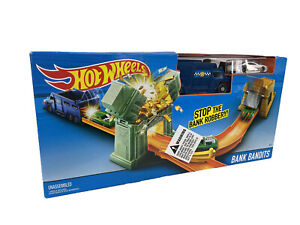 Hot Wheels Toys 2016 Bank Bandits Deluxe Action Toy Track Set NEW