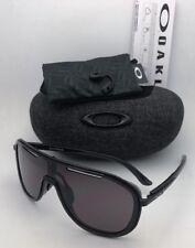 6a14560c0 Novos óculos de sol Oakley outpace OO4133-01 Tinta Preta-Armação preta com  lentes