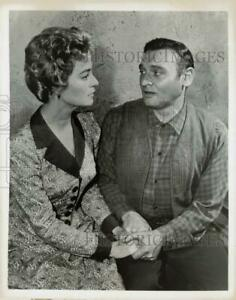 """1961 Press Photo Nan Grey and Frankie Laine in """"Rawhide"""" on CBS Television."""