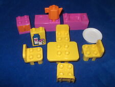 Lego Duplo Puppenhaus Küche Pink Gelb Herd Spüle Tisch Stühle Schrank Kanne