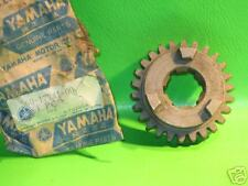 YAMAHA RD250 RD350 4TH WHEEL GEAR 26-T NOS OEM