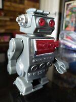Vintage Retro cute Robot - wind up - sci fi 1980s walks clockwork space