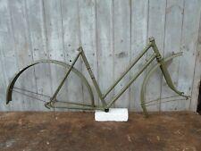 Cadre de vélo PEUGEOT Grand Tourisme Dame, randonneuse, ancien stock