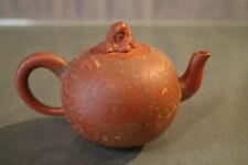 Théière signée en terre cuite au Vieux Sage Chine Yixing chinese teapot