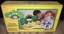 RARE VINTAGE 1984 CABBAGE PATCH KIDS VANITY CENTER PLAY SET MINT & NIB!