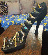 Big Shoe /Stilettos Display Stand For Miniature Shoes Collections