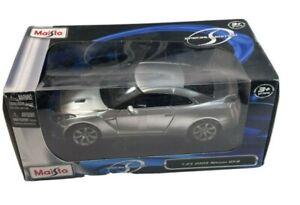 Maisto Die Cast 2009 Nissan GT-R  in Original Box Silver 1:24 Special Edition