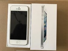 Apple iPhone 5 - 16GB - White & Silver (Unlocked) Smartphone
