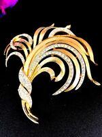 ELEGANT CROWN TRIFARI 1960'S GOLD-TONE CRYSTAL RHINESTONE FEATHER PLUME BROOCH