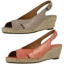 Sandali e scarpe casual Clarks marrone per il mare da donna