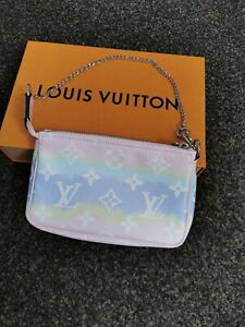 LOUIS VUITTON escale mini pochette NEW