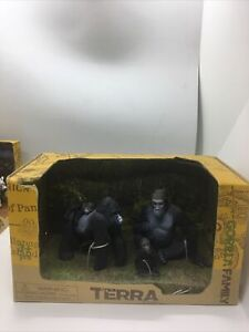 Terra By Battat Gorilla Family - NEW in Box 4 Pieces box damaged little