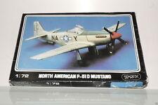 STARFIX NORTH AMERICAN P-51D MUSTANG 1/72  MODEL KIT