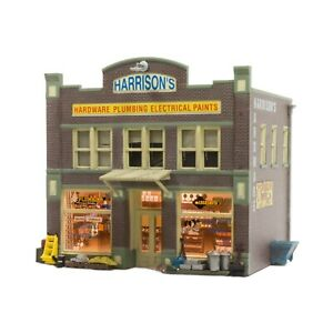 Woodland Scenics ~ HO ~ With LED ~ Harrisons Hardware ~ Built And Ready ~ BR5022