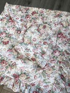 Vintage style prettu English rose  frilled single duvet cover & pillowcase roses