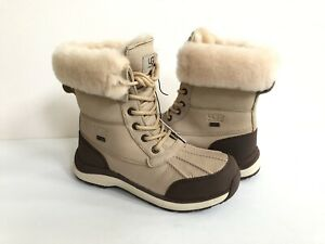 UGG ADIRONDACK III SAND WATERPROOF SHEARLING Boot US 7.5 / EU 38.5 / UK 5.5