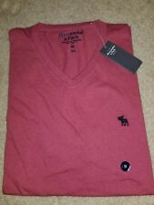 NWT Abercrombie & Fitch Mens Short Sleeve Logo V Neck Tee Medium Red