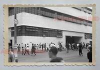 CENTRAL MARKET BUILDING STREET SCENE ADS VINTAGE B&W Hong Kong Photo 16247 香港旧照片