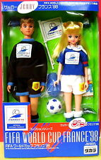 TAKARA JENNY& JEFF OFFICIAL1998 FRANCE FIFA LIMITED EDITION DOLLS SOCCER BARBIE
