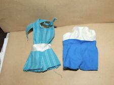 2 alte Einteiler-Kleidung-70er Jahre-Puppe-Barbie-Petra