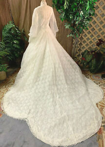 SOFT LACE & CHIFFON LONG SLEEVE WHITE WEDDING DRESS BRIDAL GOWN WITH VEIL SMALL
