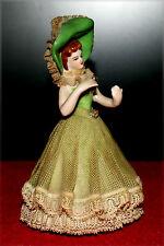 Jeune femme en porcelaine ajourée (Royal Porzelan)