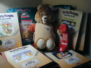 Vintage Teddy Ruxpin w/phone & 8 Cassette/books Worlds of Wonder 1985 & 2 outfit