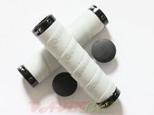 Giant Double Lock-On Handlebar Tape Grips GIANT Logo Silver